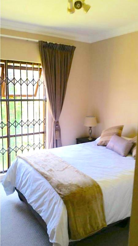 Property For Sale in Craighall, Johannesburg 12
